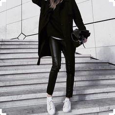 Inspiração para esta sexta!#legging#couro#eco#friday