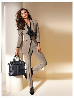 2fca7c7dd42 64 meilleures images du tableau Tenues pour femmes d affaires ...