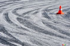 Winter driving tips: controlled sliding | Car News | Auto123