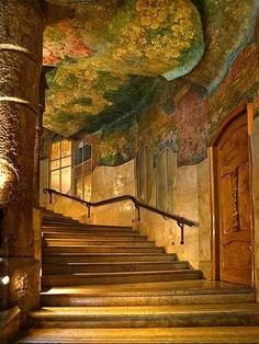 Foto.Hermosa Casa Mila...Antonio Gaudí, Barcelona. ESPAÑA
