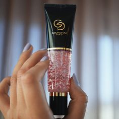 Oriflame Beauty Products, Oriflame Cosmetics, Revlon, Giordani Gold Oriflame, Lancome Absolue Premium, Beauty Companies, Cosmetic Packaging, Starting Your Own Business, Hair Brush