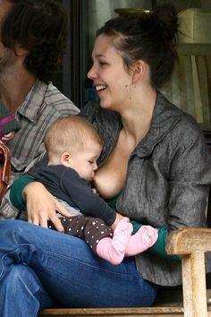 Maggie Gyllenhal breastfeeding - admirable to be so famous and still do what you think is normal and natural for your child
