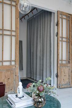Le charme des vieilles portes en bois - PLANETE DECO a homes world
