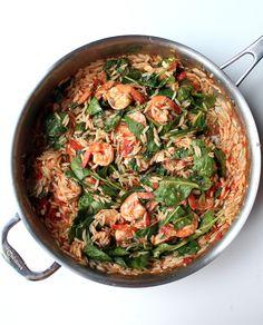 J'adore les plats tout en un et celui-ci est certainement l'un de mes préférés. Probablement parce qu'il est préparé à base d'orzo, une de mes pâtes favorites (qui ressemble à de petits grains de r...