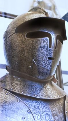 Helmet of Cuirassier Armor presented by Magdalena Sibylla margravine of Brandenburg to her husband Prince Elector Johann Georg I of Saxony 1612 CE Italy or France note the weird small mouth Armadura Medieval, Medieval Weapons, Medieval Knight, Arm Armor, Body Armor, Rose Croix, Renaissance, Ancient Armor, Armor Clothing