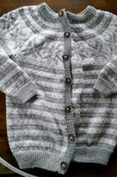 Skal lage en slik en til meg selv👌 Men Sweater, Sweaters, Fashion, Moda, Fashion Styles, Sweater For Men, Pullover, Fasion, Fashion Illustrations