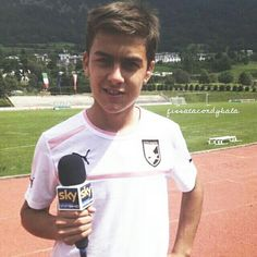 little paulo dybala Juventus Players, Juventus Fc, Soccer Post, Cr7 Junior, Soccer Pictures, World Of Sports, Football Players, Ronaldo, My Boys