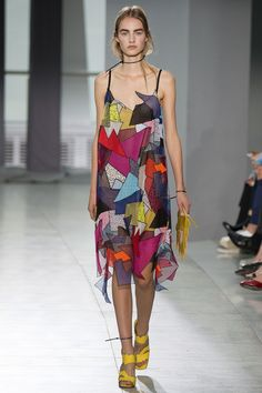 Christopher Kane Spring 2016 Ready-to-Wear Fashion Show - Maartje Verhoef