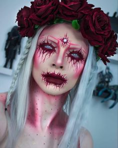 Looking for for inspiration for your Halloween make-up? Browse around this website for creepy Halloween makeup looks. Creepy Halloween Makeup, Creepy Makeup, Halloween Makeup Looks, Halloween Make Up Scary, Ghost Makeup, Halloween 2018, White Contacts Halloween, Beautiful Halloween Makeup, Halloween Hair