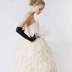 #black #gloves #wedd