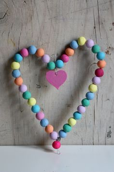 DIY Wire and colored beads Gifts Ideas Day Crafts Kids Valentine Day Crafts, Love Valentines, Holiday Crafts, I Love Heart, Happy Heart, Heart Crafts, Wire Crafts, Heart Art, Wooden Beads