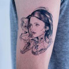 Sul-coreano Oozy mistura linhas finas, ficção científica e fantasia para criar incríveis tatuagens macabras