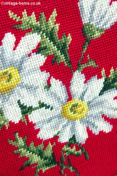 Vintage Home Shop - Close-up detail of a very rare vintage needlepoint handbag adorned with daisies: www.vintage-home.co.uk