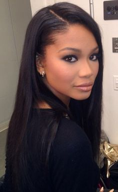 This post was about her hair but I love her makeup...beautiful and not too much. My style!