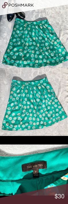 The Limited green skirt Preowned great condition almost like new!  Side zipper closure The Limited Skirts Midi