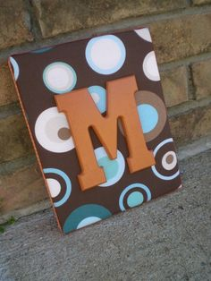 canvas & wooden letter Painted Letters, Hand Painted Canvas, Wood Letters, Decorated Letters, Monogram Painting, Monogram Frame, Home Crafts, Arts And Crafts, Diy Crafts