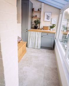 Looking for ideas for a utility room? How we turned an empty, unloved conservatory into a useful and great looking utility room with storage cabinets. Small Utility Room, Utility Room Designs, Howdens Kitchens, Grey Kitchens, 1930s House Renovation, Kitchen Units, Pops Kitchen, Ikea Kitchen, Kitchen Sink