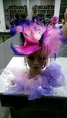 晚宴 High Fashion Hair, Hair Shows, Makeup Ideas, Wigs, Hair Beauty, Hair Styles, Hair And Makeup, Hairdos, Color