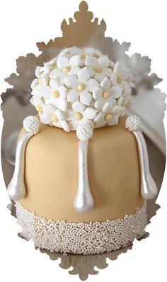 elegant taupe mini cake...