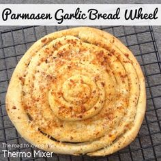 Parmasen Garlic Bread Wheel - The Road to Loving My Thermo Mixer Belini Recipe, Bread Improver, Thermomix Bread, Dough Ingredients, Best Side Dishes, Bread Rolls, Garlic Bread, Recipe Using, Cooking Recipes