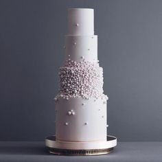 These Luxurious Towering Cakes Look Like They Are Straight Out Of The Fairy Tale - Russian Confectioners Make Elegant Cakes That Look More Like They Came Out Of A Fairy Tale Tortik A - Small Wedding Cakes, Beautiful Wedding Cakes, Wedding Cake Designs, Beautiful Cakes, Amazing Cakes, Modern Wedding Cakes, Wedding Cake Toppers, Fondant Cakes, Cupcake Cakes