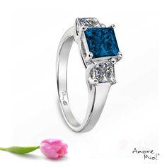 Anillo de oro Blanco 14Kt Modelo: WG1430113 Diamante Princess 0.72 quilates. Color-Blue Claridad SI2 Laboratorio- GIA-DGC, SKU Diamante: 79782 Precio: $88,625.88 pesos M.N *Consulte términos y condiciones.