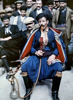 Enjoy these beautiful, rare images of Greece in color, captured from the camera of Maynard Owen Williams. Williams was a National Geographic Old Photos, Vintage Photos, Foto Face, Albert Kahn, Empire Ottoman, Greek Men, National Geographic Photographers, Greek Culture, Rare Images