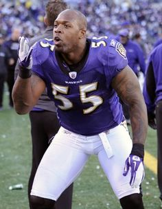 Suggs loves to give huggs!