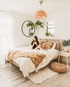 home decor ikea IKEA Bedroom Makeover F - Home Interior, Interior Design Living Room, Living Room Decor, Bedroom Decor Boho, Bedroom Inspo, Bohemian Bedroom Design, Bohemian Bedrooms, Interior Livingroom, Bedroom Lighting