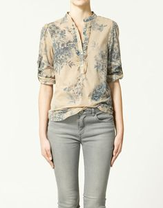 I have this top, but it looks better on that in the photo.