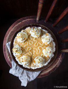 Laskiaispulla-hyydykekakku   Reseptit   Kinuskikissa Pie, Desserts, Food, Torte, Tailgate Desserts, Cake, Deserts, Fruit Cakes, Essen