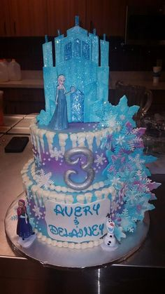 Frozen Birthday Cake. Elsa and Anna.