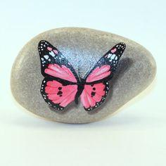 Pintado rocas rocas pintadas de mariposa por PetRocksbyTheresa