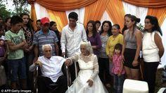 العريس يبلغ من العمر 103 سنوات والعروس 99 - http://www.mepanorama.com/360569/%d8%a7%d9%84%d8%b9%d8%b1%d9%8a%d8%b3-%d9%8a%d8%a8%d9%84%d8%ba-%d9%85%d9%86-%d8%a7%d9%84%d8%b9%d9%85%d8%b1-103-%d8%b3%d9%86%d9%88%d8%a7%d8%aa-%d9%88%d8%a7%d9%84%d8%b9%d8%b1%d9%88%d8%b3-99/