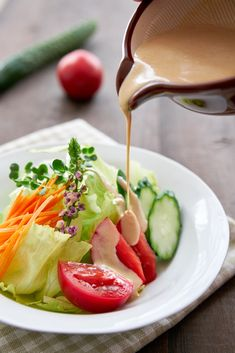 This creamy Japanese-style sesame wafu dressing is just like the ones at restaurants.