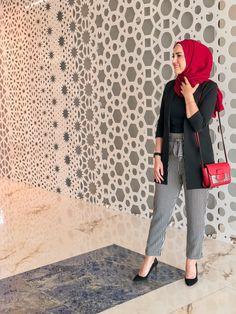 57 Trendy Fashion Style Femme For Women Source by outfits hijab Islamic Fashion, Muslim Fashion, Modest Fashion, Trendy Fashion, Fashion Outfits, Fashion Fashion, Casual Hijab Outfit, Hijab Chic, Hijab Wear