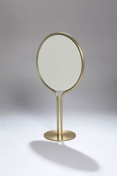 Isis Mirror