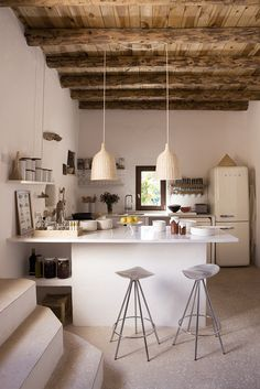 Jamaica Barstools in a Modern Spanish Farmhouse | Knoll Inspiration