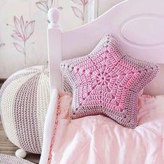Very Beautiful 😍 Knitting Knittingpa Knittingpattern - Post - Best Knitting Diy Crochet Patterns, Crochet Motifs, Crochet Designs, Knitting Patterns Free, Crochet Cushions, Crochet Pillow, Crochet Hooks, Crochet Baby, Crochet Disney