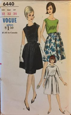 """RARE VTG 6440 Vogue (1965). Tunic and skirt or one piece dress. Size 12, Bust 32"""". Complete, unused, FF. Excellent condition."""