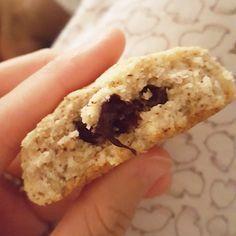 Voici ma recette de cookies sans beurre/lait, à la noix de coco, amandes et chocolat ! Fondants et moelleux, c'est un pur délice !
