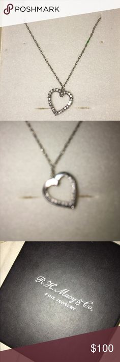8f0bd0566 R.H Macy's & Co Beautiful necklace. Worn maybe 5 times as gift given by