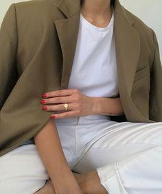 3 blazer looks for Autumn 70s Fashion, Slow Fashion, Autumn Fashion, Fashion Outfits, Fashion Mask, Classy Fashion, Blazer Fashion, Petite Fashion, French Fashion