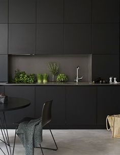 Small Modern Kitchens, Black Kitchens, Beautiful Kitchens, Home Kitchens, Real Kitchen, Home Decor Kitchen, Kitchen Interior, Modern Interior Design, Interior Architecture