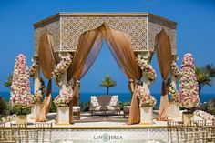 Indian wedding decorations require a lot of planning and imagination. Here are some beautiful wedding decor options that you can use.