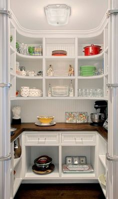 Kitchen Pantry w/Curved shelves - traditional - Kitchen - Chicago - Benvenuti an. Kitchen Pantry w/Curved shelves - traditional - Kitchen - Chicago - Benvenuti and Stein, Kitchen Pantry Design, Kitchen Pantry Cabinets, Kitchen Shelves, Kitchen Storage, New Kitchen, Kitchen Organization, Kitchen Decor, Organization Ideas, Organized Kitchen