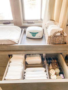 Baby Bedroom, Baby Boy Rooms, Baby Room Decor, Baby Nursery Organization, Baby Drawer Organization, Changing Table Organization, Nursery Storage, Deco Kids, Baby Storage