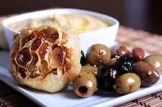 White Bean and Roasted Garlic Spread