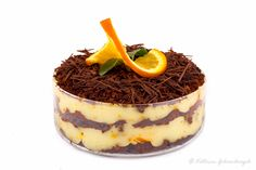 Хотелось порадовать любимого мужа, придумала для него десерт, в котором соединились его любимые вкусы и ароматы. Это очень яркий, свежий, легкий десерт с…