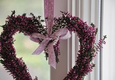 Výsledek obrázku pro heidekraut deko Late Autumn, Autumn Wedding, Outdoor Gardens, Christmas Wreaths, Diy And Crafts, Wedding Decorations, Wedding Inspiration, Weeding, Holiday Decor